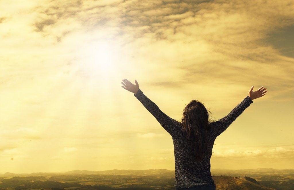 woman, sky, sunlight-2667455.jpg
